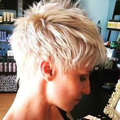 Pixie of the day!! Cherry looks on point with this platinum textured pixie cut #cuttingloosesalon