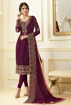 Looking to buy salwar kameez? ✓ Shop the latest dresses from India at Lashkaraa & get a wide range of salwar kameez from party wear to casual salwar suits! Salwar Suits Party Wear, Churidar Suits, Party Wear Dresses, Salwar Dress, Dress Party, Fashion Designer, Indian Designer Wear, Designer Dresses, Pakistani Dresses