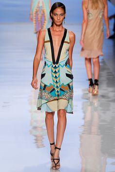 Etro Spring 2012 Ready-to-Wear Collection Photos - Vogue