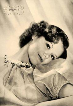 Geoorge Hurrell - Simone Simon for Esquire (1937)