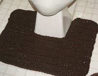 Crafty Kate Going Crazy: NOW FREE! Toilet Paper Cover & Toilet Rug Pattern : Crafty Kate Going Crazy: NOW FREE! Toilet Paper Cover & Toilet Rug Pattern for the home bathroom for the home bathroom Crochet Kitchen, Crochet Home, Crochet Gifts, Free Crochet, Crochet Stocking, Toilet Mat, Toilet Paper, Crochet Rug Patterns, Crochet Rugs