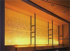 和紙ラミネートガラス施工事例/レストラン内壁面演出