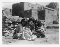 Hopi children. Photo by Edward Curtis. 1905