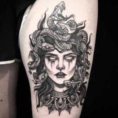 medusa tattoo Medusa from Amanda amandarinertattoo Best Sleeve Tattoos, Sleeve Tattoos For Women, Leg Tattoos, Body Art Tattoos, Small Tattoos, Tattoos For Guys, Tattoo Thigh, Maori Tattoos, Tatoos