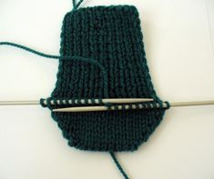 Ruční práce, ručně dělané výrobky, vyrobené dárky, návody Knitted Hats, Origami, Beanie, Knitting, Accessories, Fashion, Moda, Tricot, Fashion Styles