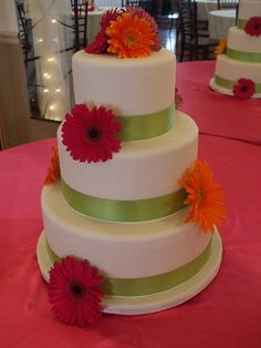 gerbra daisy cakes | Gerbera Daisy Wedding Cake | Flickr - Photo Sharing!