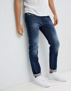 dda4ea97 Diesel Jeans Men Dark Blasted Buster Straight Jeans 853R Dark Blasted  Today's Deals Gerade Geschnittene Jeans