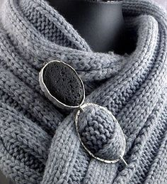 Two Australian art, craft, fashion and design enthusiasts share their fabulous finds from around the globe. Stone Jewelry, Metal Jewelry, Jewelry Art, Silver Jewelry, Jewelry Design, Silver Earrings, Contemporary Jewellery, Modern Jewelry, Brooches Handmade