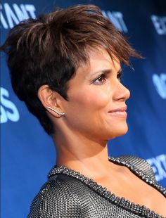 Celebrity Short Haircuts: Halle Berry Pixie 2014 - 2015