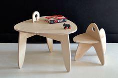 Laurence et Stéphanie, deux passionnées de design sorties de l'Ecole Nationale Supérieur de Création Industrielle à Paris, présentent makémaké, un studio de design français proposant du mobilier éco-conçu principalement dédié aux enfants.