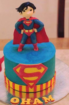 Superman looking for Loise Lane. Check out our facebook page for more superhero themed cakes and cupcakes. https://business.facebook.com/Ms.K.Cupcakes/