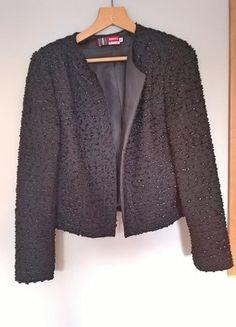 Kup mój przedmiot na #vintedpl http://www.vinted.pl/damska-odziez/marynarki-zakiety-blezery/16454364-elegancka-czarna-blyszczaca-marynarka-zakiet-bez-zapiecia-40-42-klasyka-chanel