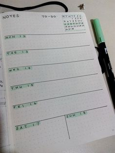 How to Plan Your Perfect Day: 14 Daily Log Layouts – Bullet Journal 101 Bullet Journal Weekly Layout, Bullet Journal Notebook, Bullet Journal School, Bullet Journal Inspo, Bullet Journal Spread, Bullet Journal Ideas Pages, Bullet Journals, Bullet Journal Lettering, Bullet Journal Aesthetic