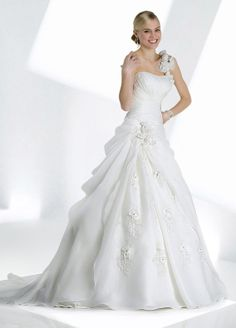 Organza One-shoulder Modified Sweetheart Alternating Vertical Pleated Bodice A-line Wedding Dress