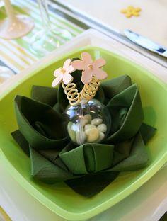 Du cordon laitonné pour vos pliages de serviettes - Le blog d'articles-fetes.com : décoration, accessoires de table, astuces pour vos fêtes et votre mariage