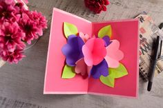 Tarjeta de Flores Pop Up Mother's day is approaching and this idea is perfect to show her how much y Paper Flowers Craft, Paper Crafts Origami, Easy Paper Crafts, Flower Crafts, Flower Diy, Origami Flowers, Kids Crafts, Diy Crafts For Gifts, Diy Arts And Crafts