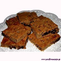 einfacher Schokoladenkuchen mit Nüssen vom Blech einfacher Schokoladenkuchen vom Blech - schnell gemacht und unschlagbar lecker vegetarisch