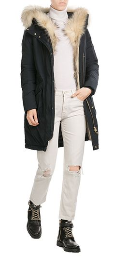 No+coat+is+as+hard-working+or+versatile+as+a+down+parka+from+Woolrich,+and+we+love+this+classic+style+for+dropping+temperatures+and+cooler+climates.+The+fur-trimmed+hood+is+a+super+plush+accent+#Stylebop