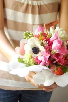 How to make a french hand tied bouquet