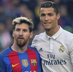 Cristiano Ronaldo & Lionel Messi both are my favs Messi E Cristiano Ronaldo, Cr7 Vs Messi, Cristino Ronaldo, Messi Soccer, Champions League, Real Madrid Football Club, Soccer Photography, Soccer Stars, Sport Football