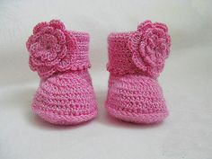MADE TO ORDER - Handmade knitted baby shoes, baby booties, baby girl gift