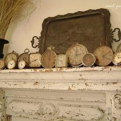 gorgeous display of antique and vintage clocks| vintage mantle display| mantle decor
