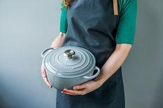 Den nye gråfargen mist grey fra Le Creuset har allerede havnet på manges ønskeliste. Du finner utvalget i din Designforevig-butikk!