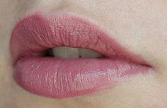 Rouge à lèvres minéral d'e.l.f. - Barely Bitten  #blog #beaute #maquillage #makeup #levres #rouge #mineral #barelybitten #elf #swatch  http://mamzelleboom.com/2014/03/13/routine-levres-pulpeuses-petit-prix-elf/