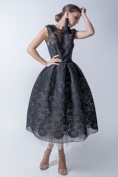 New In Ramonfilip Glamorous Dresses, Lovely Dresses, Beautiful Outfits, Vintage Dresses, Vintage Outfits, Amazing Dresses, Vintage Clothing, Classy Wear, Classy Outfits
