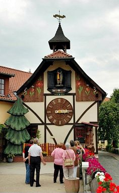 Kuckucksuhrenfabrik, Gernrode | The giant cuckoo clock (whose cuckoo appears every fifteen minutes) was made by the Harz Clock Factory GmbH. At one time it reportedly was listed in the Guinness Book of Records in 1998.