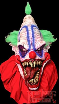 Big Top Scary Clown Mask in Masks: The Master of the Clowns. Is he under your bed, or in your closet? This is what nightmares are made of! Large latex evil clown mask with fabric collar. Evil Clown Mask, Gruseliger Clown, Joker Clown, Scary Mask, Creepy Clown, Evil Clowns, Halloween News, Adult Halloween, Funny Halloween Costumes