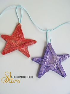 Aluminum Foil Stars Craft - a great Christmas kids craft or paint the stars yellow and hang above a child's bed for a fun nighttime scene 2d Shapes Activities, Fine Motor Activities For Kids, Christmas Activities For Kids, Preschool Christmas, Kids Christmas, Space Activities, Handmade Christmas, Christmas Gifts, Popsicle Stick Crafts