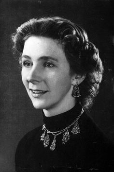 Jane Fawcett, British Decoder Who Helped Doom the Bismarck, Dies at 95 As an eagle-eyed staffer at Bletchley Park, home to Britain's wartime code-breakers, Ms. Fawcett identified a message that led to the sinking of the fearsome German warship. Enigma Machine, Bletchley Park, Alan Turing, Chain Of Command, New Museum, Female Soldier, Women In History, British History, Special People