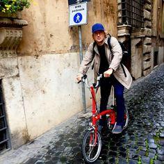 Actor Owen Wilson riding a Brompton folding bike  - Rome, March 2015
