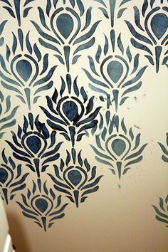 Tutorial: how to stencil walls, tips and tricks for wall stenciling