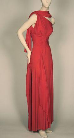 Edwardian Fashion, 1940s Fashion, Timeless Fashion, Vintage Fashion, Emo Fashion, Vintage Evening Gowns, Vintage Gowns, Vintage Outfits, Vintage Wardrobe