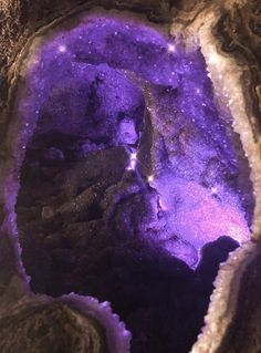 Gems And Minerals, Crystals Minerals, Crystals And Gemstones, Crystal Room, Crystal Caves, Crystal Aesthetic, Crystal Castle, Rose Quartz Crystal, Amethyst Geode