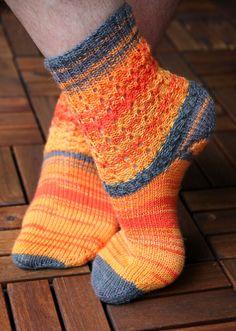 Hot Waffles Socks knitting pattern