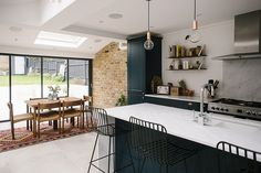 Modern Kitchen Design Side Return Kitchen Extension - Image By Adam Crohill - A London Victorian terrace with side return extension, mid-century style furniture and modern accents Open Plan Kitchen Living Room, Home Decor Kitchen, Interior Design Kitchen, Kitchen Furniture, Home Kitchens, Furniture Stores, Furniture Outlet, Industrial Furniture, Furniture Ideas