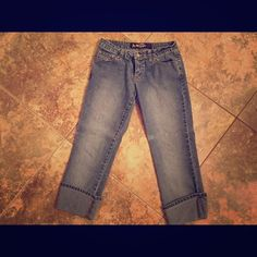 Angel brand capri's Capri's. These have stretch to them. Size 7 Jeans Ankle & Cropped