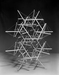 """Kenneth Snelson - """"Double Star"""""""