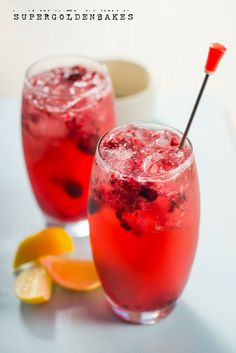supergoldenbakes: Elderflower Berry Collins cocktail