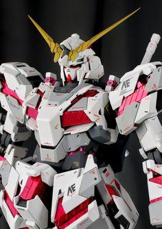 GUNDAM GUY: PG 1/60 RX-0 Unicorn Gundam - Painted Build