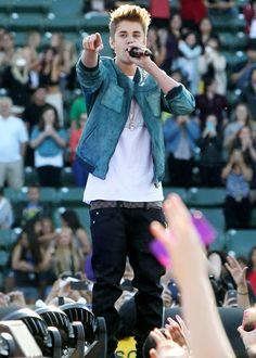 My boy❤ Justin Bieber Family, Justin Bieber Selena Gomez, Justin Bieber Style, Justin Bieber Pictures, Justin Bieber Sleeping, Beautiful Soul, Most Beautiful, Believe Tour, Justin Bieber Wallpaper