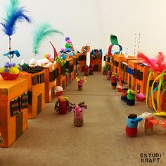 "Model about the book ""Who left the light on?"" / Maqueta interpretació del llibre ""El llum encès"". Join us on www.facebook.com/estudikraft 12 Year Old, Crafts For Kids, Join, Facebook, Projects, Model, Crafts For Children, Log Projects, Blue Prints"