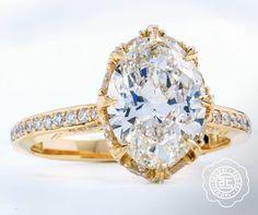 Golden glamour. #Tacori engagement ring, Dantela collection