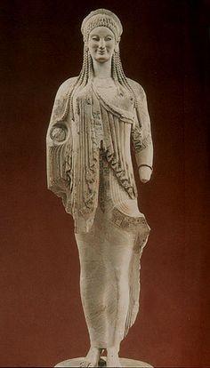 Grécia- Kore, período arcaico.