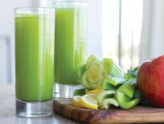This green juice is clean and sweet, making it an easy way to get in an extra dose of greens. It's the perfect way to start off any morning, and you may be surprised that … Easy Green Juice Recipe, Green Juice Recipes, Healthy Juices, Healthy Drinks, Detox Drinks, Medical Medium Anthony William, Medium Recipe, Healthy Life, Healthy Eating