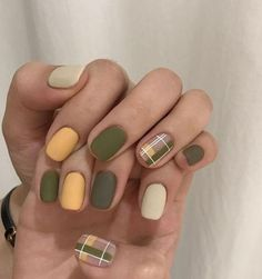 45 Gorgeous Nail Art Designs Ideas For Short Nails The nail art designs of today have come a long way from the one color application of the past. Nail Art Designs, Short Nail Designs, Nail Design For Short Nails, Green Nail Designs, Nails Design, Korean Nail Art, Korean Nails, Cute Nails, Pretty Nails