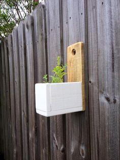 DIY Wall Hanging Herb Planter | Pallet Furniture Plans